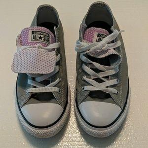 Converse sneakers junior 6 women's 8-9